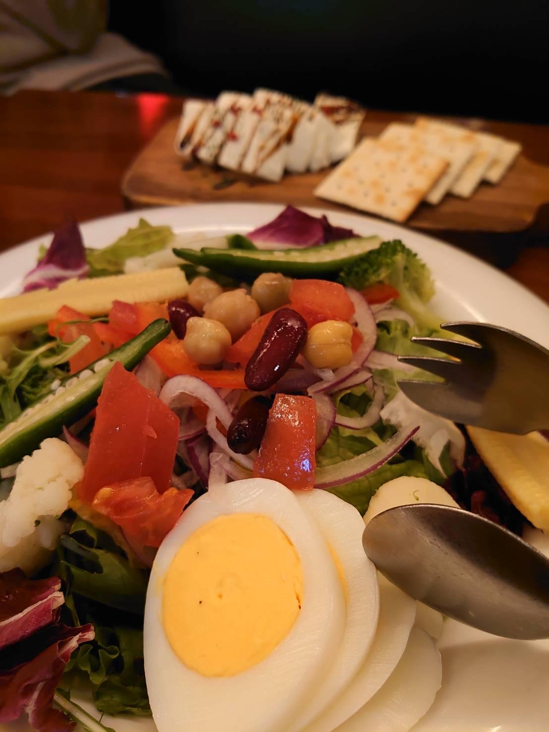 イタリアンバル ひいき屋 サラダ